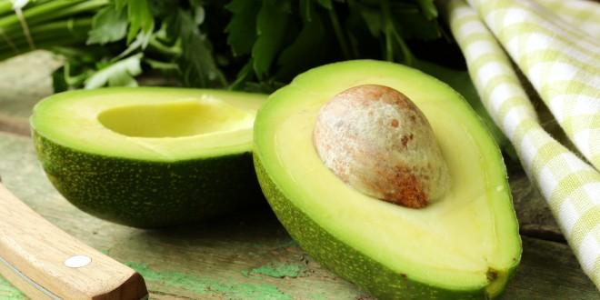 Algumas (boas) verdades sobre o abacate que você precisa conhecer!