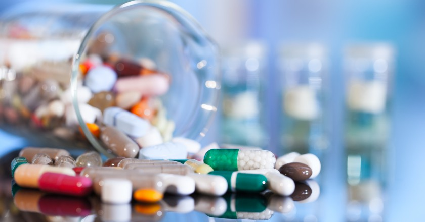 frasco cheio de comprimidos de lítio para ser usado no tratamento da Esclerose Lateral Amiotrófica