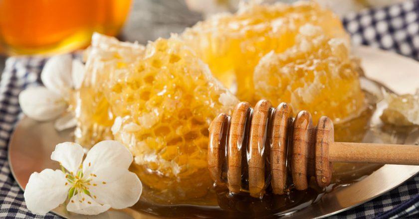 mel para tratar problemas de saúde favos