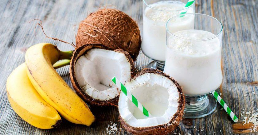 smoothie detox leite de coco e banana