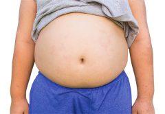 obesidade infantil preocupa pais sobre pênis dos filhos