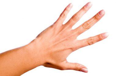 estalar os dedos faz mal para articulações