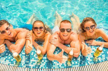 urinar na piscina faz mal