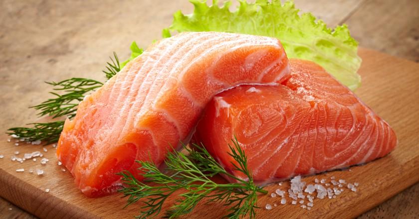 filé de peixe rico em ômega 7